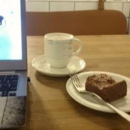 Cafe, Coffee, Work - Image of Laptop, Coffee and Cake